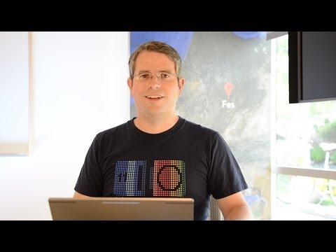 Matt Cutts: Should I correct the grammar of comments on my blog?